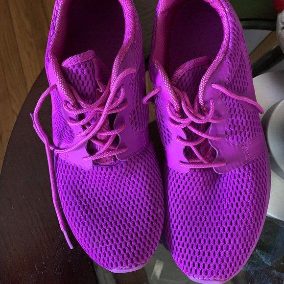 Nike Shoes | Like New Purple Nike Roshe
